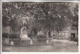 BELMONT DE LA LOIRE 42 - Monument Aux Morts - CPSM Dentelée Noir Blanc PF A Priori RARE - Loire - Belmont De La Loire