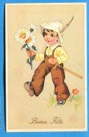 R245, Petit Garçon Avec Une épée Et Un Bouquet De Marguerittes Et Un Chapeau Avec Une Plume, Fantaisie, Non Circulée - Holidays & Celebrations