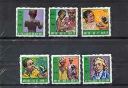 GUINEE : Santé -Lutte Contre La Variole Et Rougeole Vaccination, Enfant Malade, E. Jenner) - Medecine - Prévention - Guinea (1958-...)