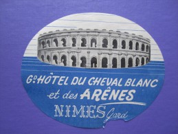 HOTEL AUBERGE DU CHEVAL BLANC NIMES GARD STICKER DECAL FRANCE LUGGAGE LABEL ETIQUETA ETICHETTA ETIQUETTE AUFKLEBER PARIS - Hotel Labels