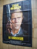 GRANDE   AFFICHE  DE  CINEMA -    LE  CHASSEUR  - THE HUNTER   - Steve Mac Queen   -  158cm  X 115cm - Autographes