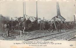 77 - Melun - Catastrophe De Melun 4 Novembre 1913, Le Rapide N°2 De Marseille Tamponne Le Train-Poste, La Locomotive - Melun