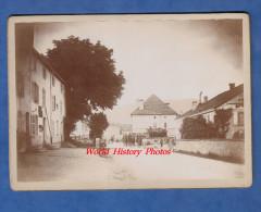 Photo Ancienne Avant Ou Début 1900 - VAGNEY ( Vosges ) - Présence Militaire Dans Le Village Devant Les Habitants - Old (before 1900)