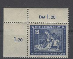 DDR Michel No. 295 ** postfrisch Eckrand / senkrecht gefaltet