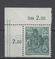 DDR Michel No. 415 XI ** postfrisch Eckrand