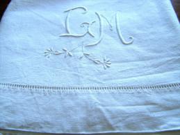 Superbe Drap Brodé A La Main Blanc... - Bed Sheets