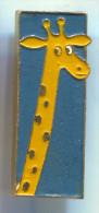 GIRAFFE -  Vintage Pin Badge - Animaux