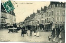 89 - Avallon - Place Vauban - Café  Du Chapeau  Rouge + Calèches  N° 101 - Avallon