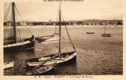 CPA  -  ERQUY  (22)   La Plage Du Bourg  -  Bateau  Ste Jeanne - Erquy