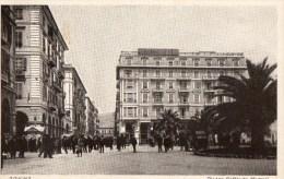 51Ab   Italie Savona Piazza Goffredo Mamelli (vue Pas Courante) - Savona