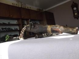 Grand Pistolet Persian Avec Son Poire à Poudre - Armes Neutralisées