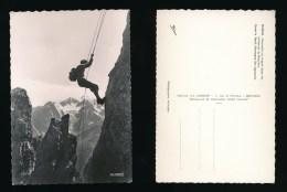 Descente En Rappel Dans Les Arêtes De La Bruyère Montagne Des Agneaux - Format 15 X 10  - Alpinisme - La Cigogne - Autres Communes