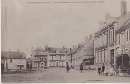 BRUNEHAMEL  Vue Du Bureau De Poste Et Côté Nord De La Place - Autres Communes