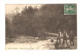 CPA : 31 - Luchon : Vallée & Pic De La Pique  : Hommes Deavnt Un Cours D'eau - Relief Au Fond - Luchon