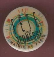 41947-Pin's.fete De La Jeunesse.mairie De Paris.. - Villes