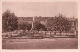 CHATENOIS La Place Et Le Monument Aux Morts - Chatenois