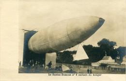 Dirigeable Zeppelin  Le Santos Dumont N°6 Sortant Du Hangar - Dirigeables