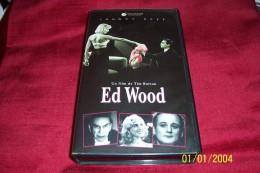 ED WOOD  AVEC JOHNNY DEPP  Film De Tim Burton - Cassettes Vidéo VHS