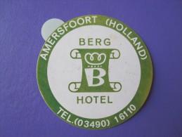 HOTEL PENSION MOTEL MOTOR BERG AMERSFOORT HOLLAND NETHERLANDS TAG DECAL STICKER LUGGAGE LABEL ETIQUETTE AUFKLEBER - Adesivi Di Alberghi