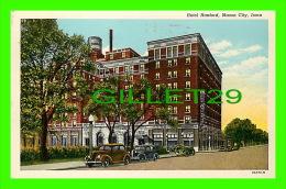 MASON CITY, IA - HOTEL HANFORD - ANIMATED WITH OLD CARS - TRAVEL IN 1953 - MASON CITY NEWS AGENCY - - United States