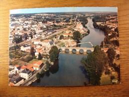 Carte postale Saint  Junien vue g�n�rale a�rienne ,la vall�e de la Vienne oblit�r�e 1968