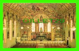 BAIRNSDALE, VICTORIA, AUSTRALIA - ST MARY'S CHURCH - INTERIOR - - Australie