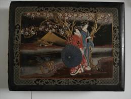 Early 1920´s Japanese Black Lacquer Silk Panel Handpainted Postcard Album - Matériel
