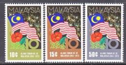 MALAYSIA   103-5  **  MALAYSIA FLAG - Malaysia (1964-...)