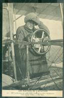 N°331  - Mme La Baronne De LAROCHE Au Poste De Direction D´un Biplan VOISIN   ( état Sup )   Far106 - Airmen, Fliers