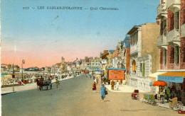 LOT DE 2 CARTES - LES SABLES D'OLONNE - Vue Prise De La Tour D'Arundel - Quai Clémenceau, Animée - France