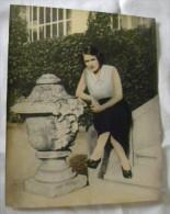 Photographie Ancienne - Grande Photo Colorisée Femme Assise - Persone Anonimi