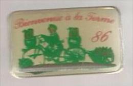 42045-Pin's.Bienvenue à La Ferme 86 .velo.cyclisme.. - Villes