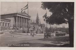 Tram  Wien      Parlement Und Rathaus          Nr 925 - Tramways