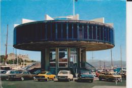 CPSM AUTO VOITURE RENAULT 16 MERCEDES FORD ? PEUGEOT ANTIBES  PORT TOUR CAPITAINERIE FORT CARRE - Voitures De Tourisme