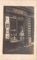 ��  -   Carte-Photo non Situ�e   -  1 femme devant sa Papeterie , Bonneterie , Parfumerie , Mercerie    -  ��