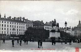 2529   Postal Francia  Lyon Plaza Bellecour - Lyon