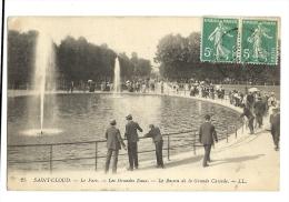Cp, 92, Saint-Cloud, Le Parc, Les Grandes Eaux, Le Bassin De La Grande Cascade, Voyagée - Saint Cloud