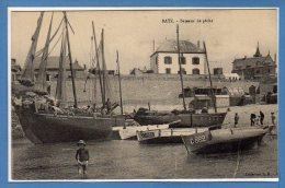 44 - BOURG De BATZ -- Bateaux De Pêche - Batz-sur-Mer (Bourg De B.)