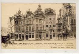 BRUXELLES - Grand Place, De Gauche A Droite: La Maison Des Brasseurs Ou L´Arbre D´Or ... - Marktpleinen, Pleinen