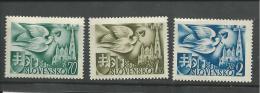 """Slovakia  """"1942""""  Scott No. 74-76  (N**)  Complet - Nuevos"""