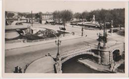 France - CP Narbonne Aude (11) Les Trois Ponts Et Le Monument Ferroul - Narbonne