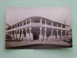 Hôtel De France Tél.7 Liegeois Prop Et Chef Cuisine Français ( N° 807 ) MAJUNGA - Anno 1951 ( Zie Foto Voor Details ) !! - Madagascar