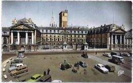 Cpsm DIJON L; Hotel De Ville Ancien Palais Des Ducs De Bourgogne (tres Belles Voitures Anciennes ) - Dijon