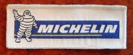 Patch Écusson Tissu à Coudre - Pneus Michelin - Bibendum Brodé Sur Soie - Scudetti In Tela