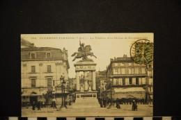 CP, 63, CLERMONT FERRAND Le Théâtre Et La Statue De Vercingétorix N° 386 Voyagé 1916 - Clermont Ferrand