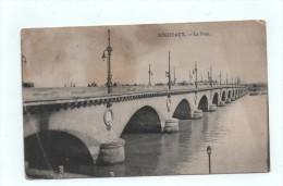 CPA BORDEAUX Le Pont - Timbres