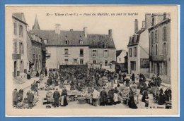 35 - VITRE -- Place Du Marchix , Un Jour De Marché - Vitre
