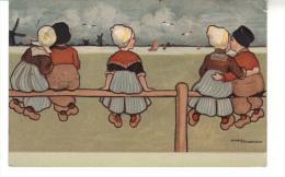 CPA   - 5 Enfants Assis Sur Une Barrière En Bois - 2 Couples Et Une Petite Fille Seule - Parkinson, Ethel