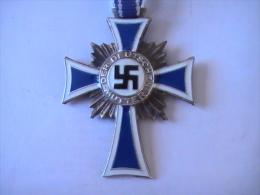 Croix D'honneur De La Mère Allemande, 16 Dezember 1938 En Argent, Ordre Civil. - Duitsland