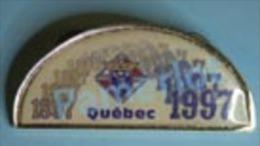 Pin´s ( C De C Avec Double Pin Et Double Cap Par C. Lamond Qualté Quebec ) Medaglia Medal 2 Scans - Associations